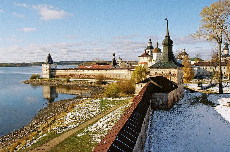 Крепостные стены Кирилло-Белозерского монастыря. Фото: архиепископ Вологодский и Великоустюжский Максимилиан