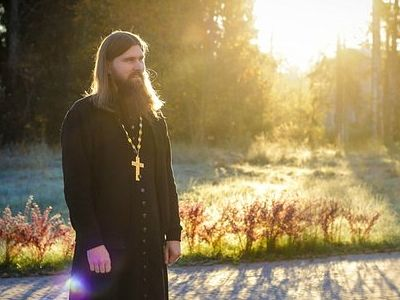 Today Father George's guest is an Orthodox priest and missionary Stanislav Rasputin, who was formerly a member of the Salvation Army. In this interview we learn how Father Stanislav found this path to Church, what may help Protestants overcome their