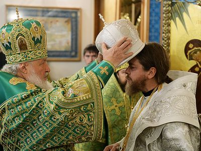On October 24, 2015, on the feast day of the Synaxis of Optina Elders, His Holiness Patriarch Kirill of Moscow and All Russia celebrated Divine Liturgy in the Cathedral of the Kazan icon of the Mother of God in the St. Ambrose Stavropegal Convent, Sh