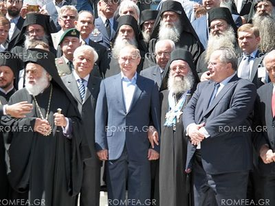 In response the president of the Russian Federation focused on the tight historical connection of Russia with the Holy Mountain and called pilgrimages to Athos a special blessing.