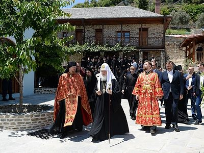 Xilourgou Skete (�carpenter�), dedicated to the Dormition of the Most Holy Theotokos is the first Russian Monastery on Athos, located on the eastern side of the Holy Mount Athos, an hour�s journey from Karyes. It is associated with the Russian monast