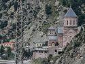 МВД Грузии эвакуирует людей из Дарьяльского мужского монастыря