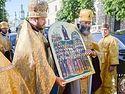 Афонские святыни доставили в Киев