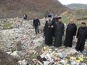 Албанцы не дали сербам навести порядок в оскверненном храме