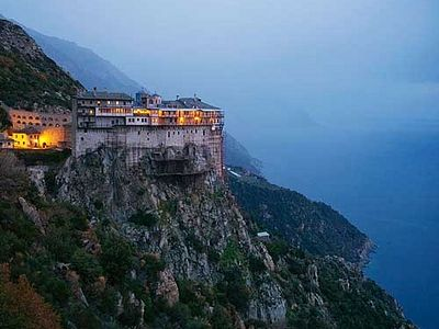 Mount Athos has long been a fascinating place, which attracts the attention not only of Orthodox, but people belonging to other religions and even of non-believers.
