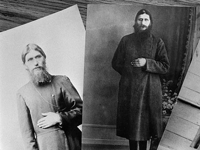 Rasputin's five-room apartment faces the inner courtyard of the building at 64 Ulitsa Gorokhovaya.