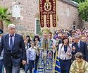 В Болгарии верующие молитвенно встречают ковчег с частицами Ризы и Покрова Богоматери