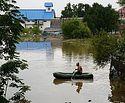 Церковь передала гуманитарную помощь жителям затопленного поселка Барабаш