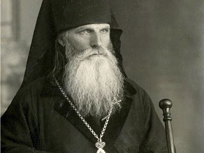 Since this sensitive soul could not accept the lie of Uniatism, in 1905 and 1906 Alexander visited the Lavras in Kiev and Pochaiev, where he met both the elderly Metropolitan of Kiev, Flavian, and the dynamic Archbishop Antony (Khrapovitsky), who was