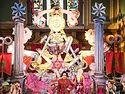 В старинном храме Лондона прошел сатанинский показ мод (18+)