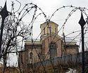 Посол Сербии: Запад не замечает проблему разрушения сербских церквей в Косово