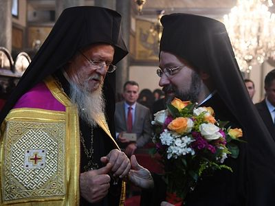 Protodeacon Vladimir Vasilik examines the statements of the Constantinople hierarch Archbishop Job (Getcha) of Telmessos from a recent interview that he gave concerning the history of Church in Kiev and its relation to the Patriarchate of Constantino