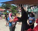 На Филиппинах православные священники организовали помощь голодающим семьям