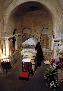 Пуатье. Гробница св. Радегунды