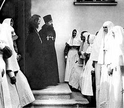 Загрузить увеличенное изображение. 350 x 261 px. Размер файла 75307 b.   Марфо-Мариинская Обитель. 1910-е годы