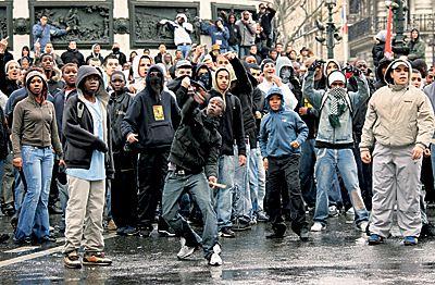 Во Франции мусульманская молодежь представляет собой самую социально взрывоопасную часть общества