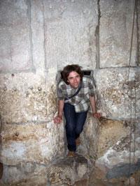 Через игольное ушко иерусалимской стены у Судных врат человек и мелкий скот могли протиснуться и попасть в город