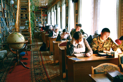 В библиотеке – академическая тишина