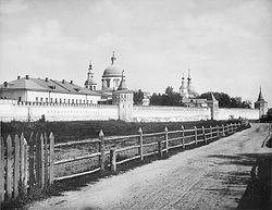 Загрузить увеличенное изображение. 600 x 462 px. Размер файла 101775 b.  Данилов монастырь. Фотография 1882 года