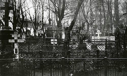 Некрополь Данилова монастыря. Фото начала XX в.