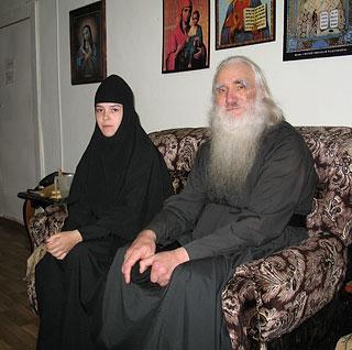 Архимандрит Афанасий (Культинов) и настоятельница кадомского Милостиво-Богородицкого монастыря монахиня Евгения