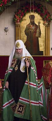 После молитвы у раки сщмч. Илариона. Фото М.Родионов / Православие.Ru