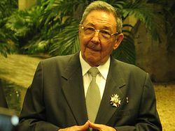 Рауль Кастро с орденом благоверного князя Даниила Московского