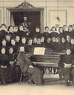 Загрузить увеличенное изображение. 600 x 400 px. Размер файла 186758 b.  Хор Мариинской гимназии. 1913 г.