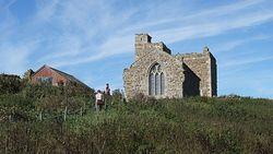 Загрузить увеличенное изображение. 3200 x 1800 px. Размер файла 1490727 b.  Church on Farne on the site of St Cuthbert's cell