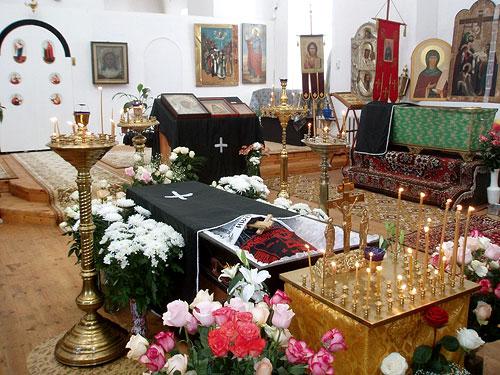 Отпевание схиигуменьи Стефаниды в возрожденном храме свт.Алексия. 22 марта 2009 года. Фото: Л.Соколова