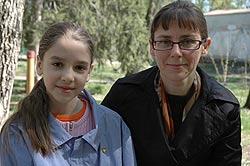 Лариса с дочерью Настей. Фото Ю. Ракиной