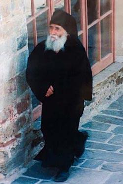 Старец Паисий в Суроти