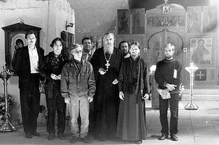 Архимандрит Антоний с отцом Тихоном и прихожанами в храме Московского Сретенского монастыря