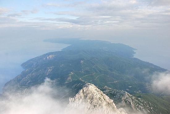 Вид на Афон с вершины Святой Горы. Фото: А.Поспелов / Православие.Ru