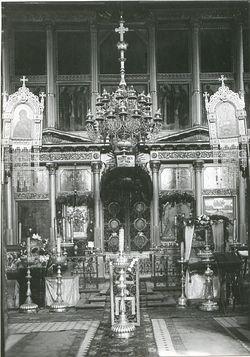 Загрузить увеличенное изображение. 1329 x 1898 px. Размер файла 304745 b.  Иконостас московского Сретенского монастыря. Фото XIX в.