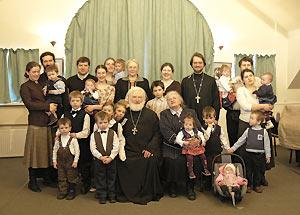 У отца Владимира и матушки Ольги Георгиевны четверо детей и шестнадцать внуков. Фото из семейного архива