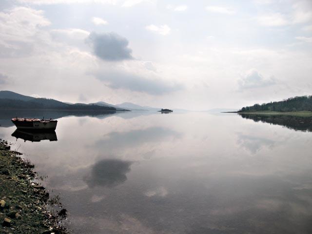 Горное озеро Пластира, одно из самых больших в Греции