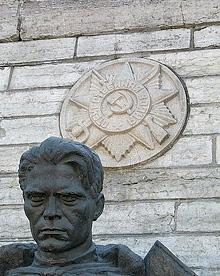 Демонтированный памятник советскому воину-освободителю в Тынисмяги, Таллин