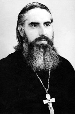 Иерей Адриан Козинский (будущий игумен Серафим), 1972 г. Фото из личного архива о. Серафима