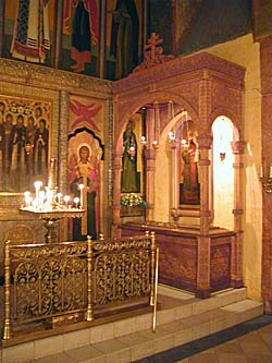 Рака с мощами священномученика Илариона (Троицкого)
