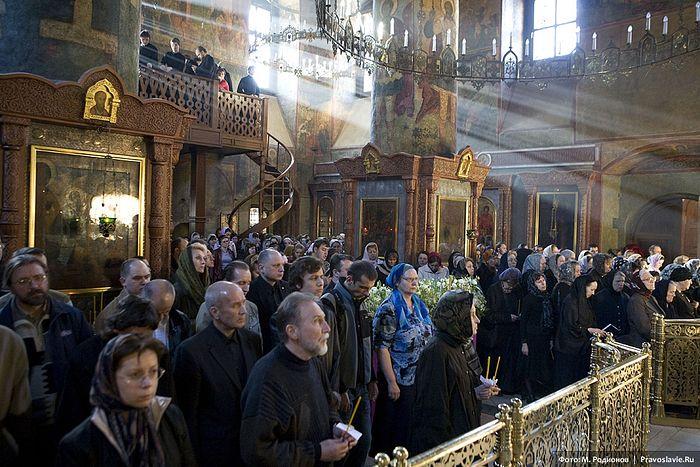 Богослужение в Великую Пятницу. Сретенский монастырь. Фото: М.Родионов /<a class=