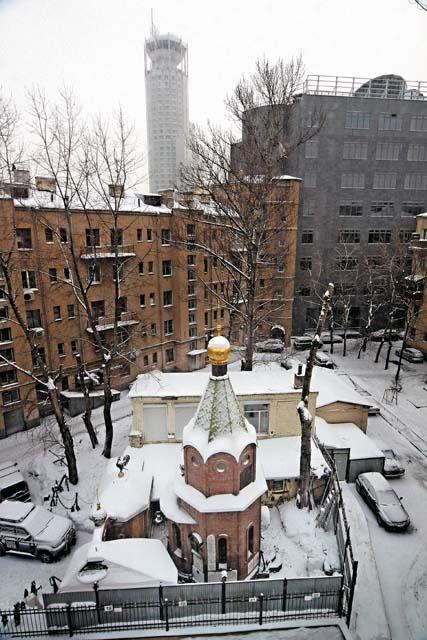 Во дворе своей московской мастерской Федор Конюхов построил часовню Николая Чудотворца