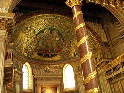 Загрузить увеличенное изображение. 500 x 375 px. Размер файла 42135 b.  Передняя часть базилики Санта Мария Маджоре с древнями фрескамиПередняя часть базилики Санта Мария Маджоре с древними фресками