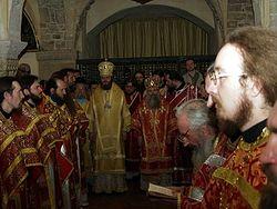 Загрузить увеличенное изображение. 500 x 375 px. Размер файла 40965 b.  В базилике св. Николая в Бари