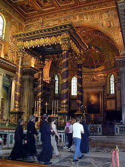 Загрузить увеличенное изображение. 375 x 500 px. Размер файла 26009 b.  В базилике Санта Мария Маджоре
