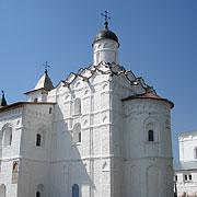 Старинная церковь Троицкого комплекса