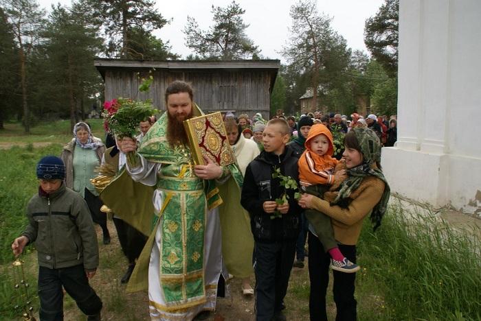Праздник на приходе. Фото: ekaterina.pravoverie.ru