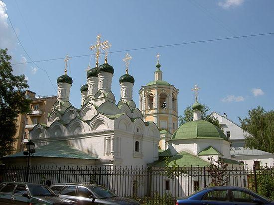 Церковь Успения Пресвятой Богородицы в Путинках. Фото: Олег Гусаров / Sobory.Ru
