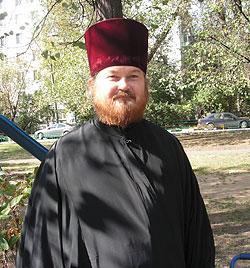 Войсковой священник Вадим Толмачев