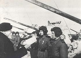 Встреча митрополита Николая (Ярушевича) с бойцами и командирами Красной Армии при передаче танков